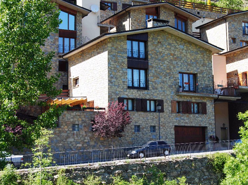 Attached for sale in Fontaneda
