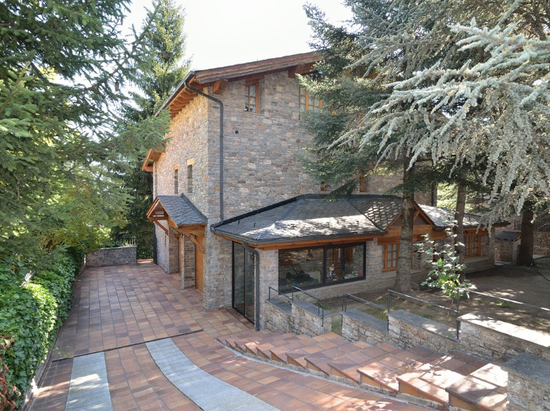 Chalet-Tower for sale in Escàs